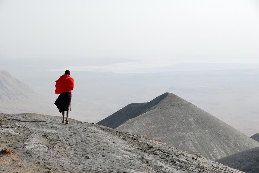 סיפורו של מכתש – בין נגורונגורו להר האלוהים